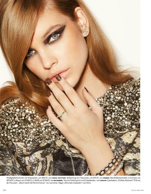 Барбара Палвин для апрельского выпуска Vogue Germany. Изображение № 6.