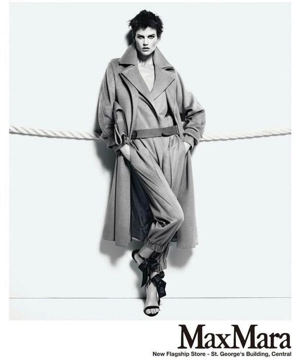 Превью кампаний: Balenciaga, Nina Ricci, Valentino и другие. Изображение № 5.