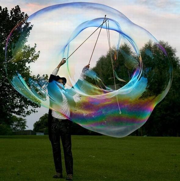 Самый большой вмире мыльный пузырь. Изображение № 3.