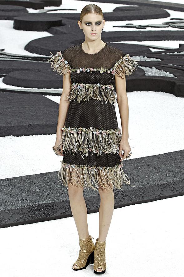 Карл Лагерфельд показал одну из самых красивых коллекций, когда-либо созданных для Chanel. Изображение № 30.