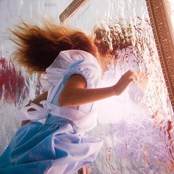 Alice in Waterland. Изображение № 3.