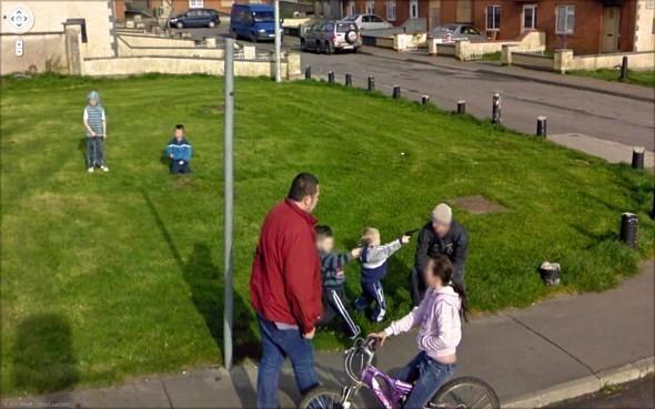 Изображение 9. Интересные уличные сцены, подсмотренные с Google Streets.. Изображение № 9.