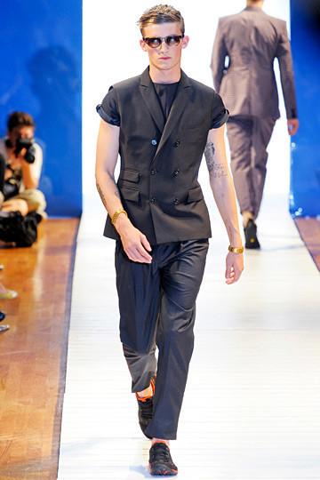 Неделя мужской моды в Париже: День 1. Изображение № 6.