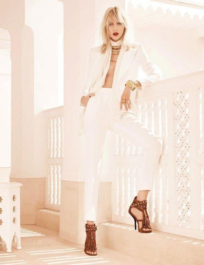 Вышли превью кампаний Versace, Dolce & Gabbana и других марок. Изображение № 9.