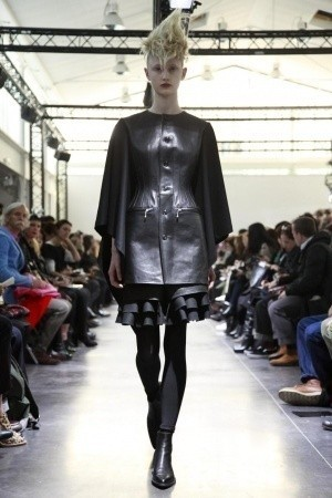 Изображение 10. Показы на Paris Fashion Week FW 2011: день 5.. Изображение № 5.