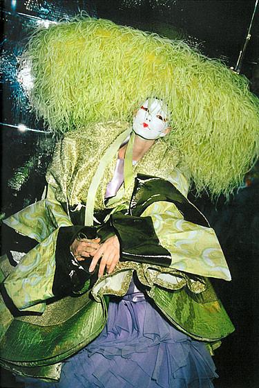 Роксанна Лоуит: за кулисами Dior. Изображение № 1.