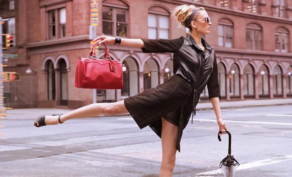 Кампания: Коко Роша и Лииса Уинклер для Longchamp SS 2012. Изображение № 8.
