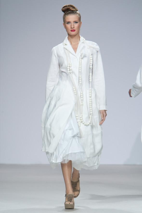 Наташа Дригант, Кира Пластинина, Сергей Сысоев, Gabi Lauton: весна-лето 2011 на Volvo Fashion Week. Изображение № 26.