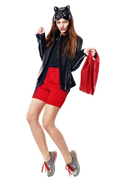 Хорошая плохая девочка: 10 образов от редактора моды Василисы Гусаровой. Изображение №20.