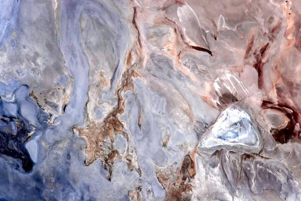 Астронавт выложил абстрактные фотографии Австралии с орбиты. Изображение № 8.