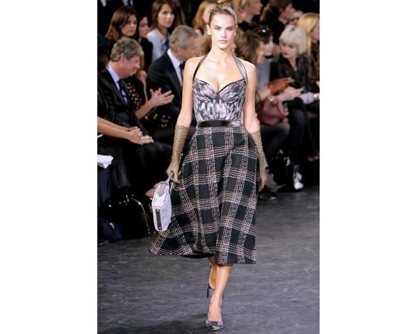 Можно все: Модели на показе Louis Vuitton. Изображение № 31.