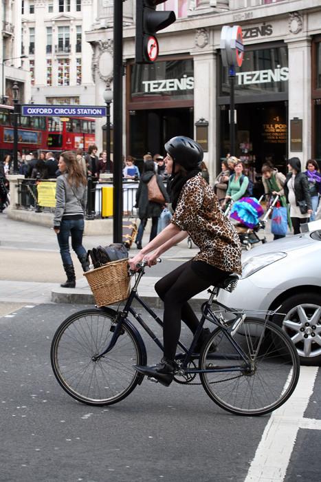Street fashion Англия. Изображение № 27.