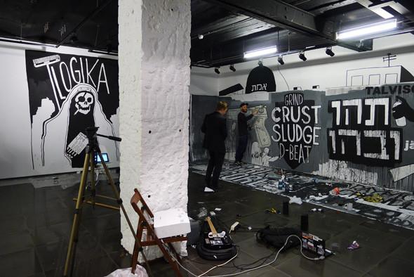 Личный опыт: Как я участвовал в 4-й Московской биеннале. Изображение №16.