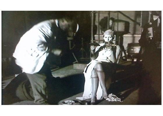 Ли Миллер в фильме «Кровь поэта». Изображение № 4.