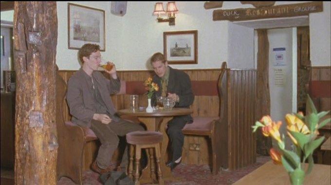 Бенедикт Камбербэтч  выпивает. Изображение № 9.
