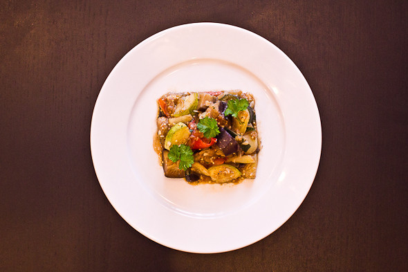 Овощное рагу, гаспачо, греческий салат: Настоящий осенний обед. Изображение № 37.