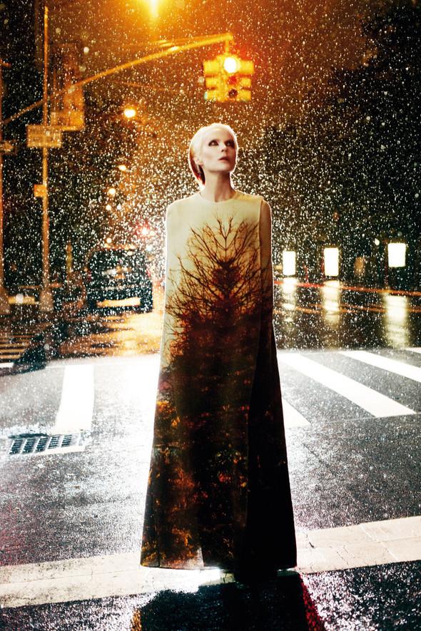 Съёмка: Дафна Гиннесс для Vogue. Изображение № 7.