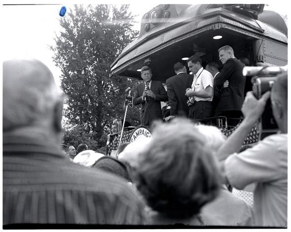 100 лет выборов в документальных фотографиях. Изображение № 32.