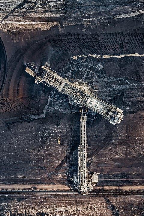 Захватывающие фотографии огромной угольной шахты. Изображение № 13.