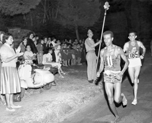 Поймать момент: 20 побед и поражений в истории спорта в фотографиях. Изображение №5.
