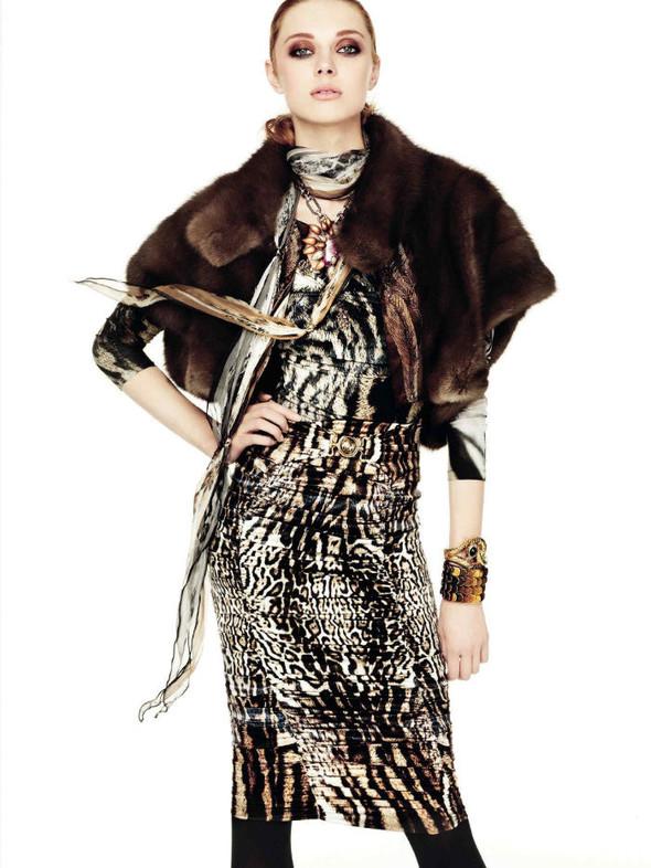 Лукбук: Эмелин Валад и Ольга Шерер для Roberto Cavalli FW 2011. Изображение № 8.
