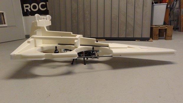 Энтузиаст собрал дрон в виде имперского крейсера. Изображение № 33.