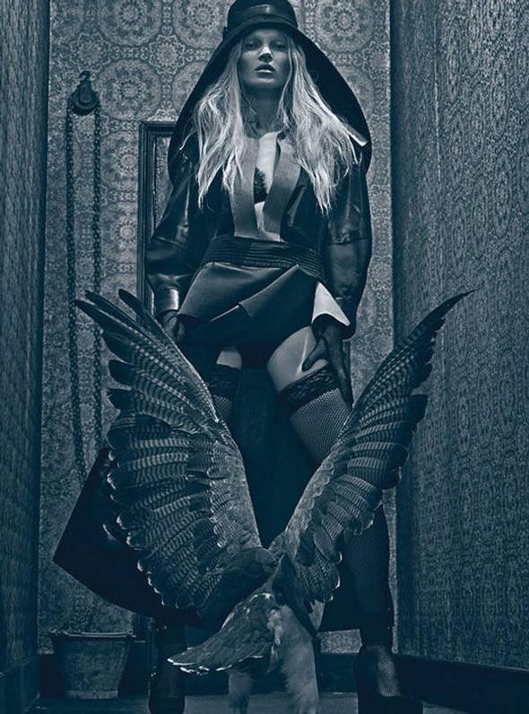 Kate Moss (КЕЙТ МОСС) для W Magazine. Изображение № 13.