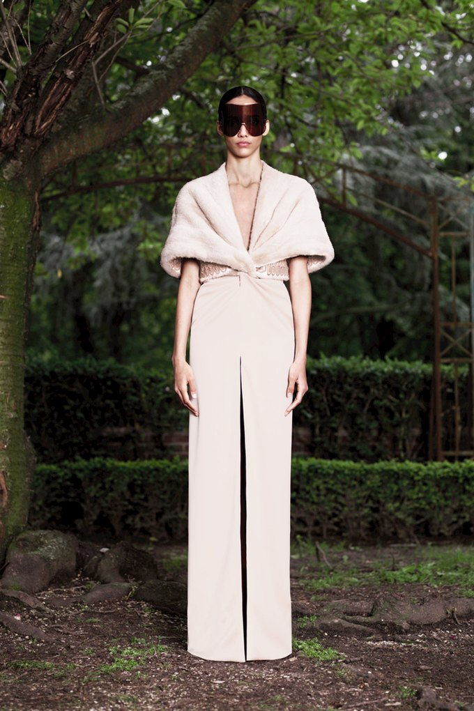 Givenchy Haute Couture FW 2012. Изображение № 2.