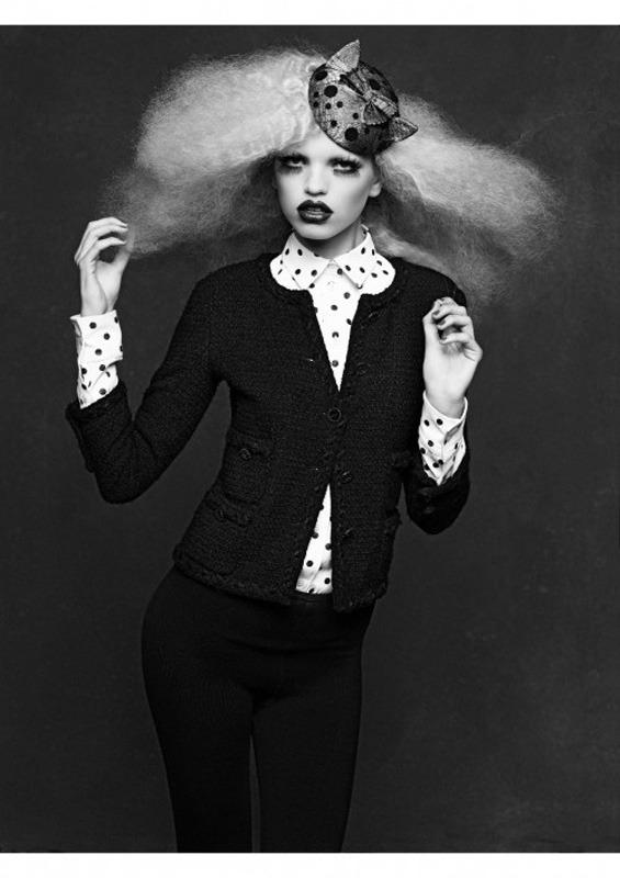 20 октября в Artplay откроется фотовыставка Chanel «Little Black Jacket». Изображение № 15.