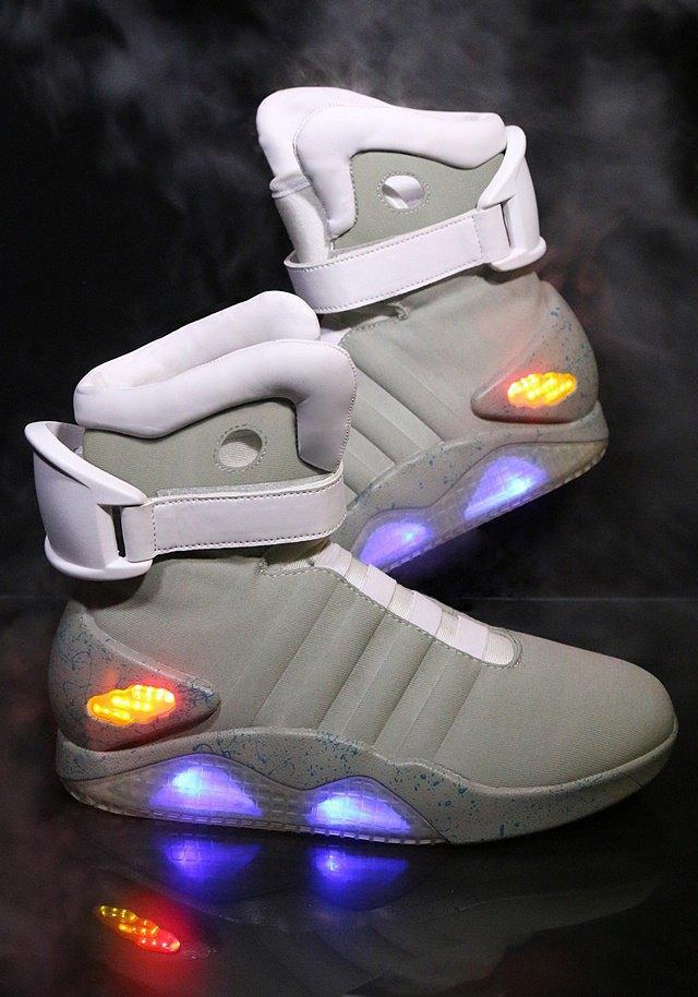 В сентябре начнут продавать кроссовки из «Назад в будущее 2». Изображение № 2.