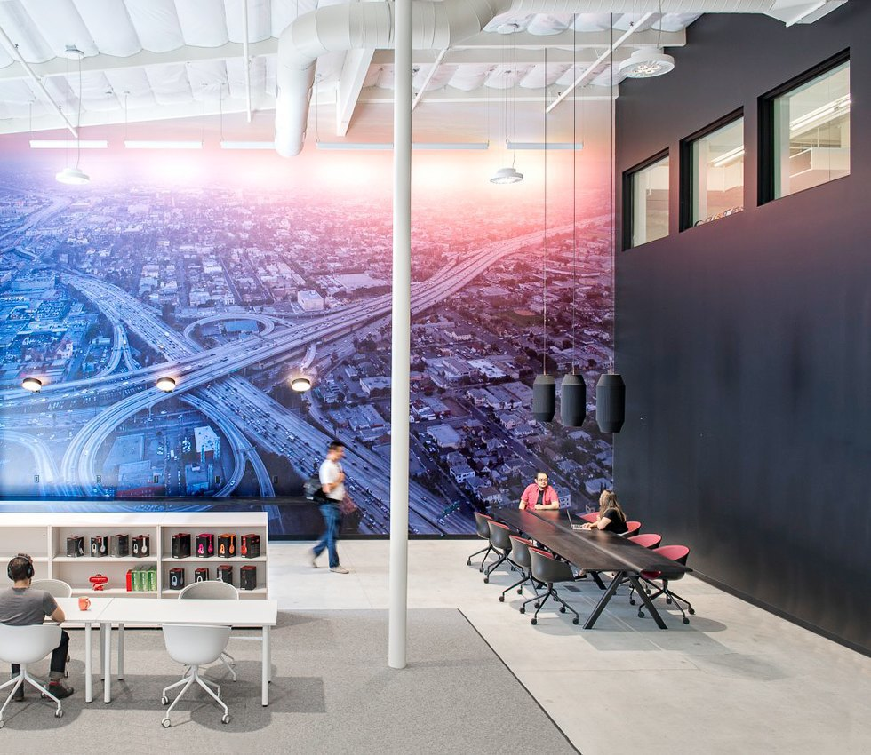 Где работает Доктор Дре: Фоторепортаж из офиса Beats Electronics. Изображение № 15.