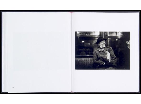 Метрополис: 9 альбомов о подземке в мегаполисах. Изображение № 140.
