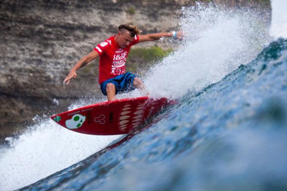 Новички пусть сидят дома: Сергей Мысовский о серфинге на Гавайях, Таити и других любимых местах. Изображение № 8.
