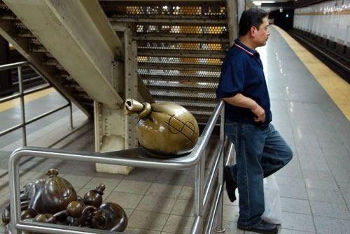 Скульптуры вНью-Йоркском метро. Изображение № 12.
