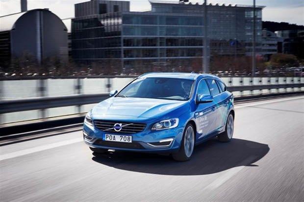 Первые Volvo на автопилоте появились на дорогах Швеции. Изображение № 1.