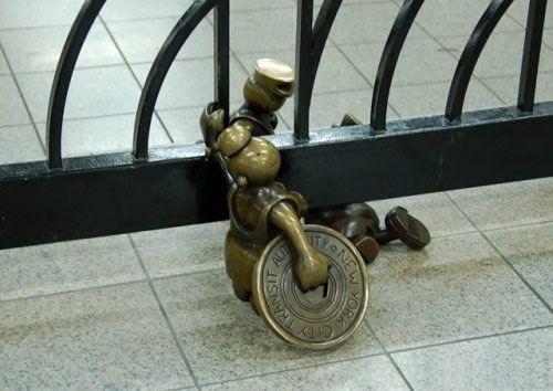 Скульптуры вНью-Йоркском метро. Изображение № 13.