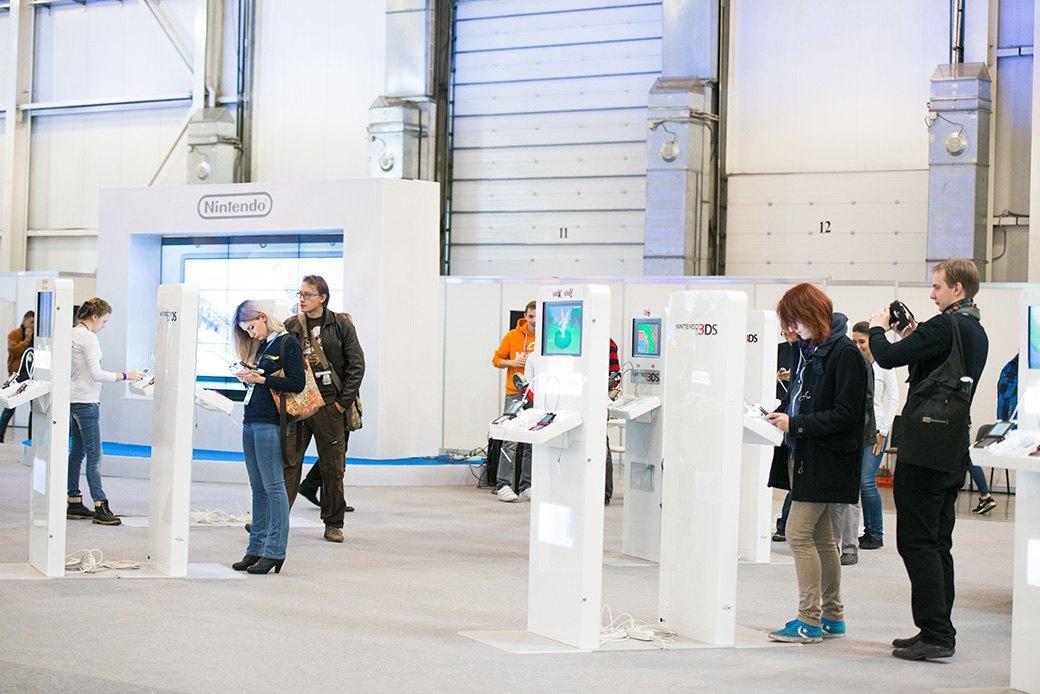 Косплей, киберспортсмены, PS4 и Xbox One на выставке «ИгроМир-2013». Изображение № 7.