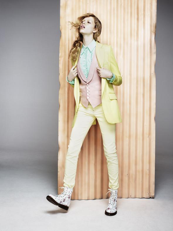 Новые съемки: Vogue, 25 Magazine, Exit. Изображение № 45.