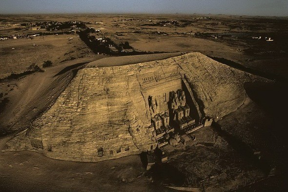 Храм Рамзеса II в скале Абу-Симбел. Египет. Изображение № 2.