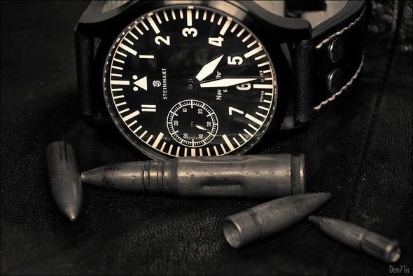 Steinhart Nav B-Uhr black. 370 EUR (19% VAT incl.). Изображение № 46.