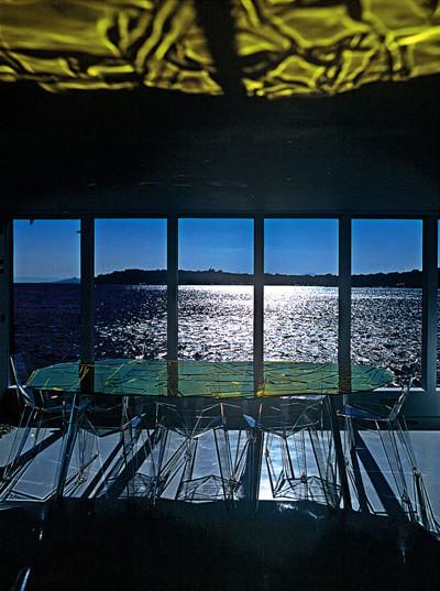 Яхта Guilty От Иваны Порфири и Джеффа Кунса. Изображение № 7.