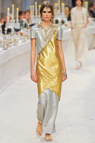 Chanel показали пре-осеннюю коллекцию. Изображение № 72.