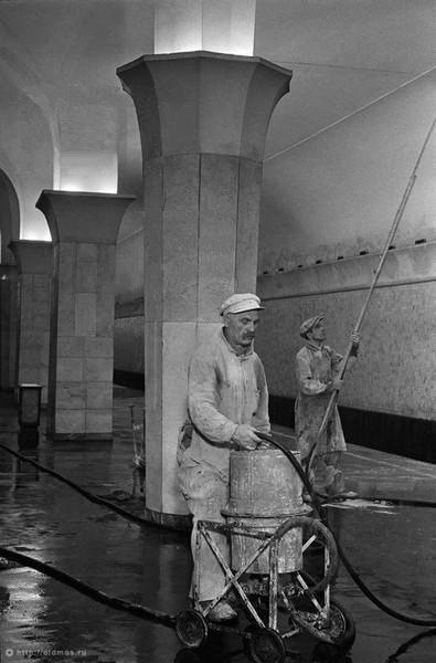 Побелка в метро, Кропоткинская. Изображение № 71.