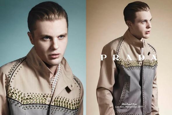 Кампания: Майкл Питт для Prada. Изображение № 8.