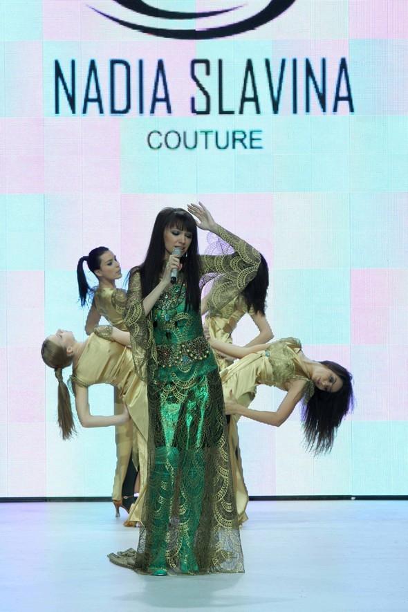 Показ коллекции «Флюиды» модного дома «Nadia Slavina». Изображение № 1.