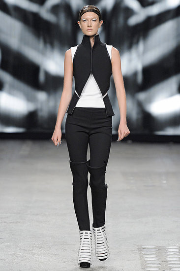 Показ: Gareth Pugh spring 2012 Ready-to-Wear. Изображение № 8.