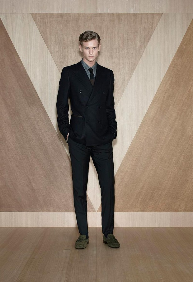 Мужские лукбуки Alexander McQueen, Comme des Garcons, Louis Vuitton и Club Monaco. Изображение № 49.