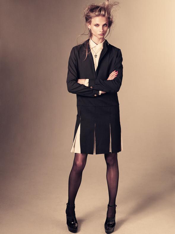 Съёмка: Анна Селезнёва для японского Vogue. Изображение № 5.