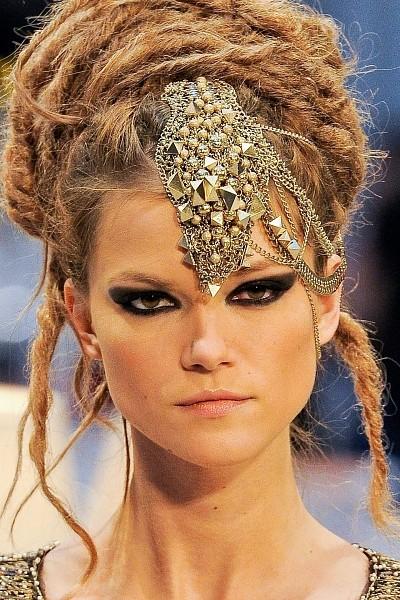Детали с показа Chanel Pre-Fall 2012. Изображение № 37.