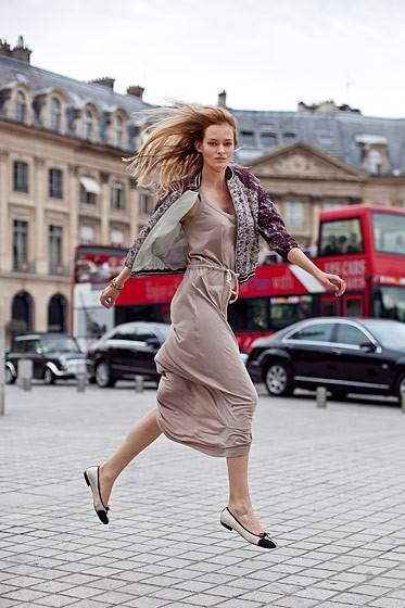 Уличный стиль на Неделе высокой моды в Париже. Изображение № 52.